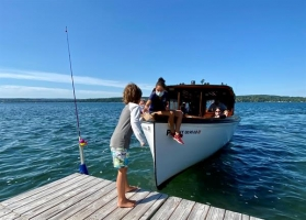 Up close and personal with local postal customers on the Skaneateles shoreline.  A tradition for generations!