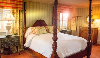The Chardonnay Room - Queen Size Four Poster Bed with Private Bath